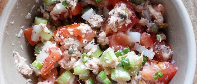 Салат из консервированной горбуши рецепт с очень вкусный с