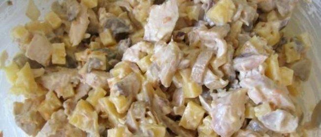 Салат с отварной куриной грудкой простой