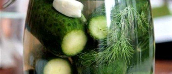 Огурцы малосольные с чесноком рецепт пошагово
