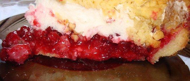 Простой пирог из брусники рецепт