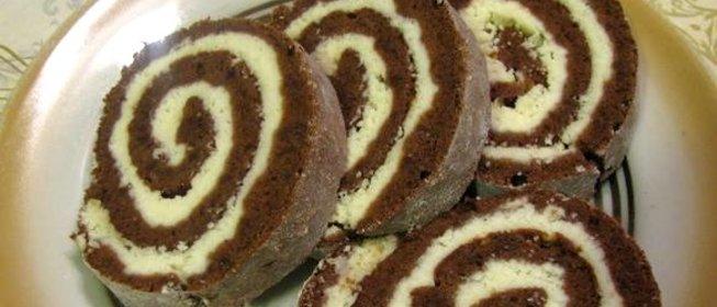 Простой рецепт сладкого рулета пошагово