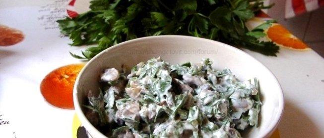 Вкусный салат с жареными грибами с
