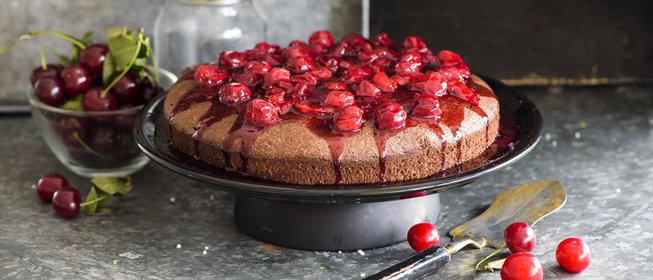 Пирог простой шоколадный с вишней рецепт